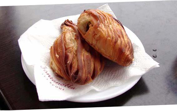 Pastizz, instead – a crunchy phyllo dough crescent –