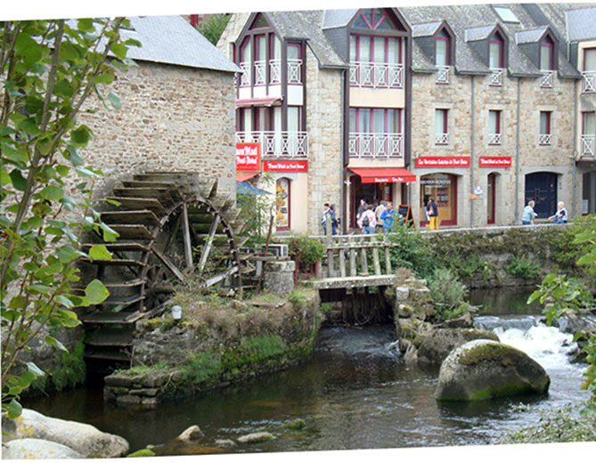 Travel in South of Brittany: Pont Aven