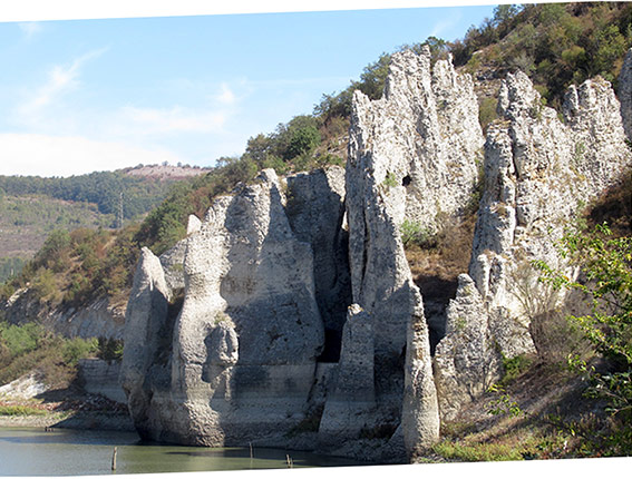 "Les ""Wonderful Rocks"""
