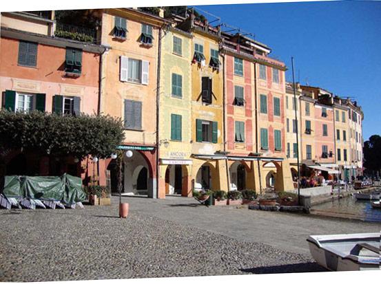 Blick auf die Häuser von Camogli